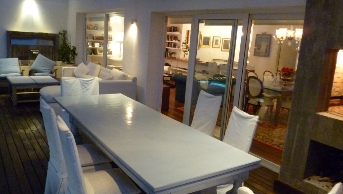 385_dining table