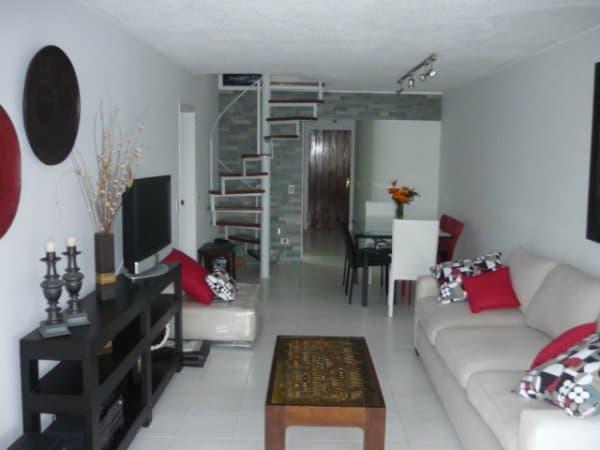 oportunidad: hermoso apartamento duplex en frente de la playa brava - 269btl