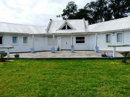 Amplia y comoda propiedad en la Barra, zona de chacras