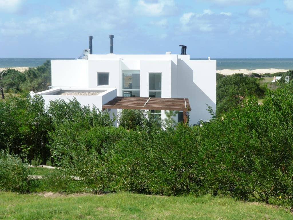 EXCELENTE COMPRA: Impecable casa recién construida en Jose Ignacio