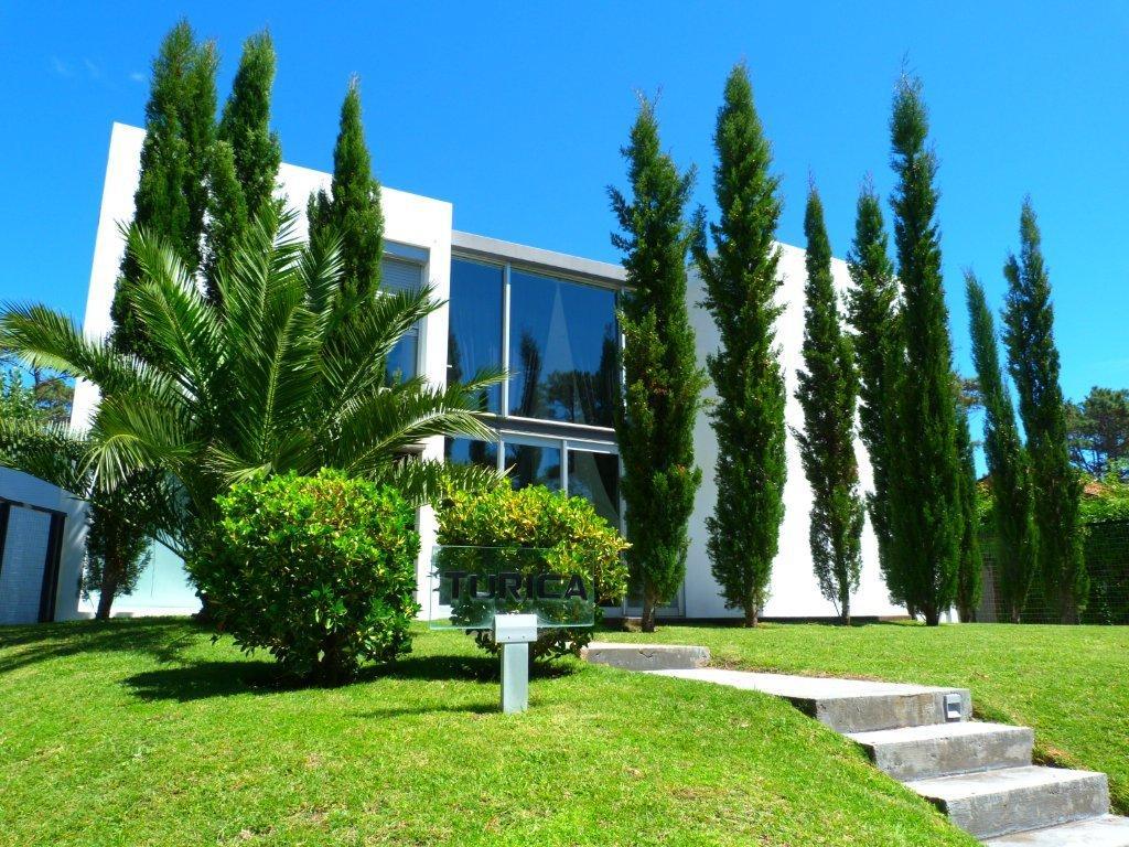 Casa Venta o Alquiler en Punta del Este Playa Mansa de 5 Dormitorios