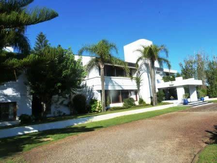 Casa Venta o Alquiler en Punta del Este Solanas de 6 Dormitorios