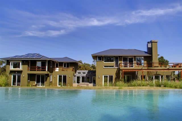 687_casa desde piscina
