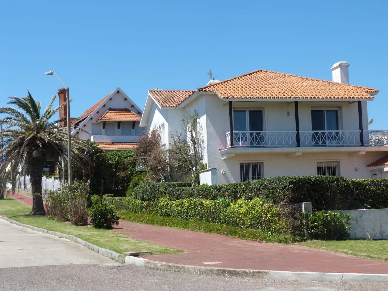 Gran residencia en primera fila frente al mar, Peninsula