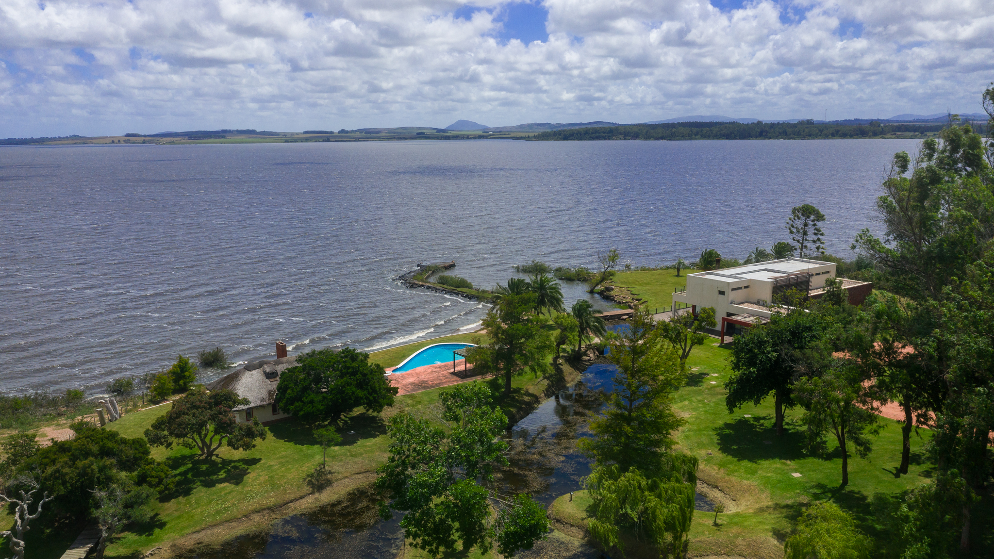 Deluxe country estate/chacra with 100 m own lake front