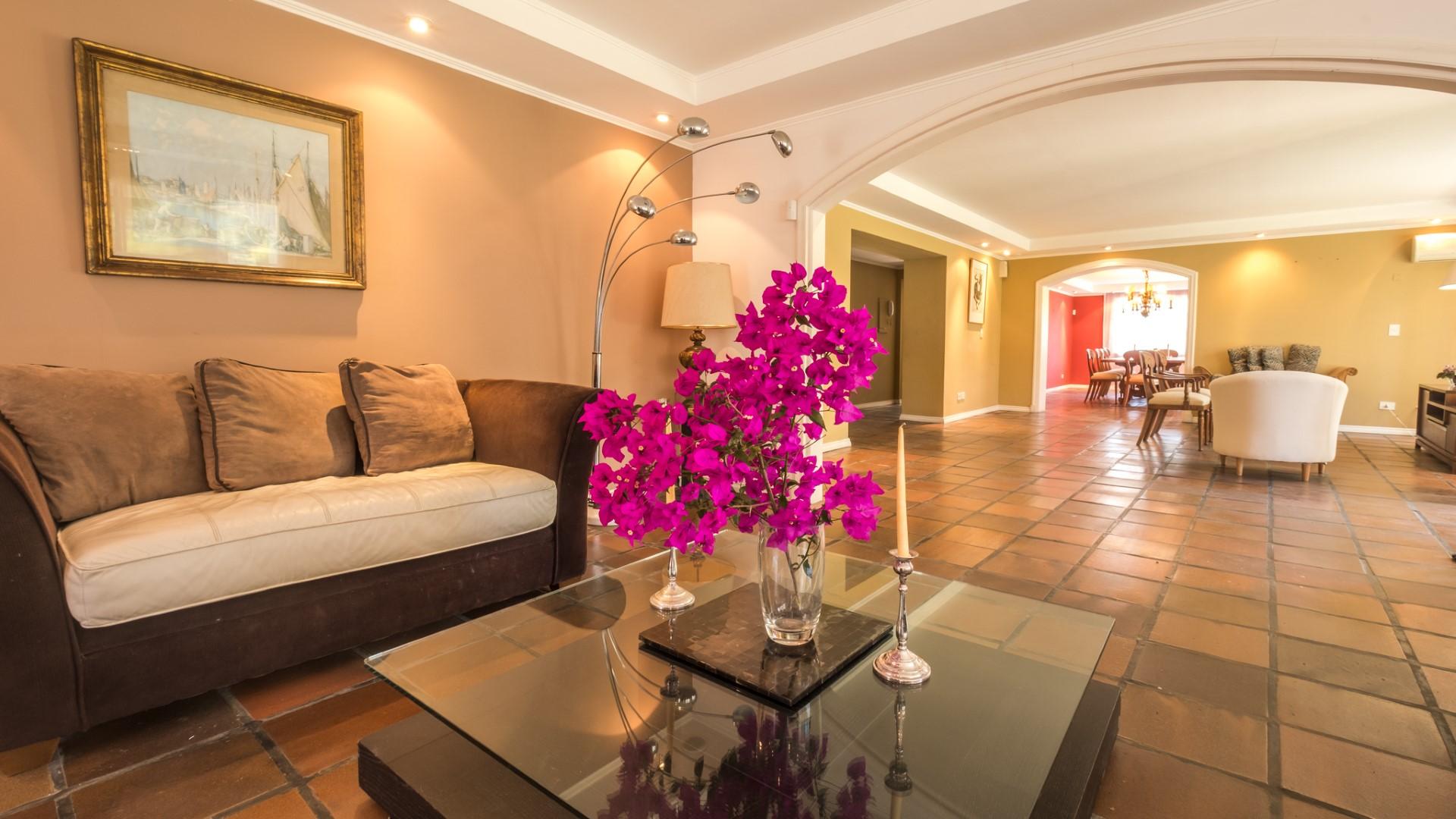 Elegante, grundsolide Residenz in begehrter Wohngegend, Punta del Este