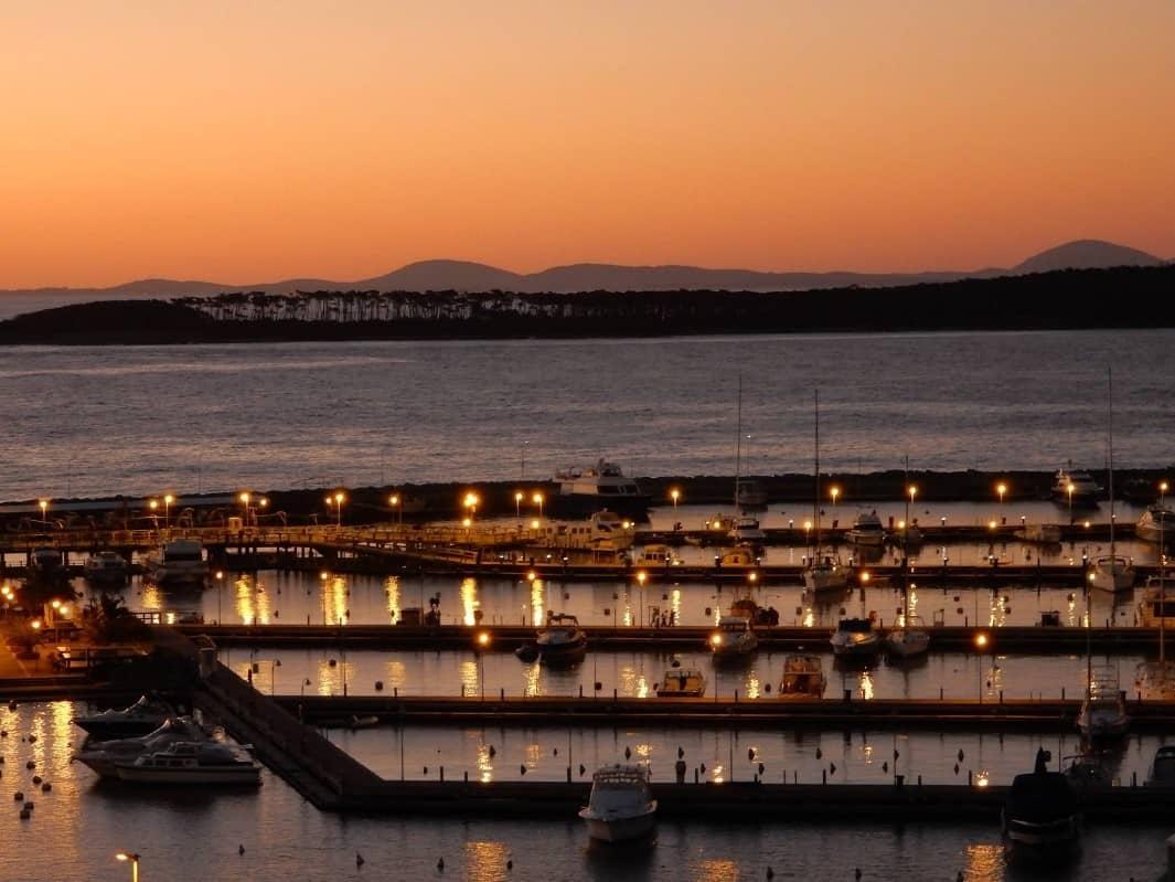 Apartamento de 2 dormitorios con vista al puerto, Peninsula