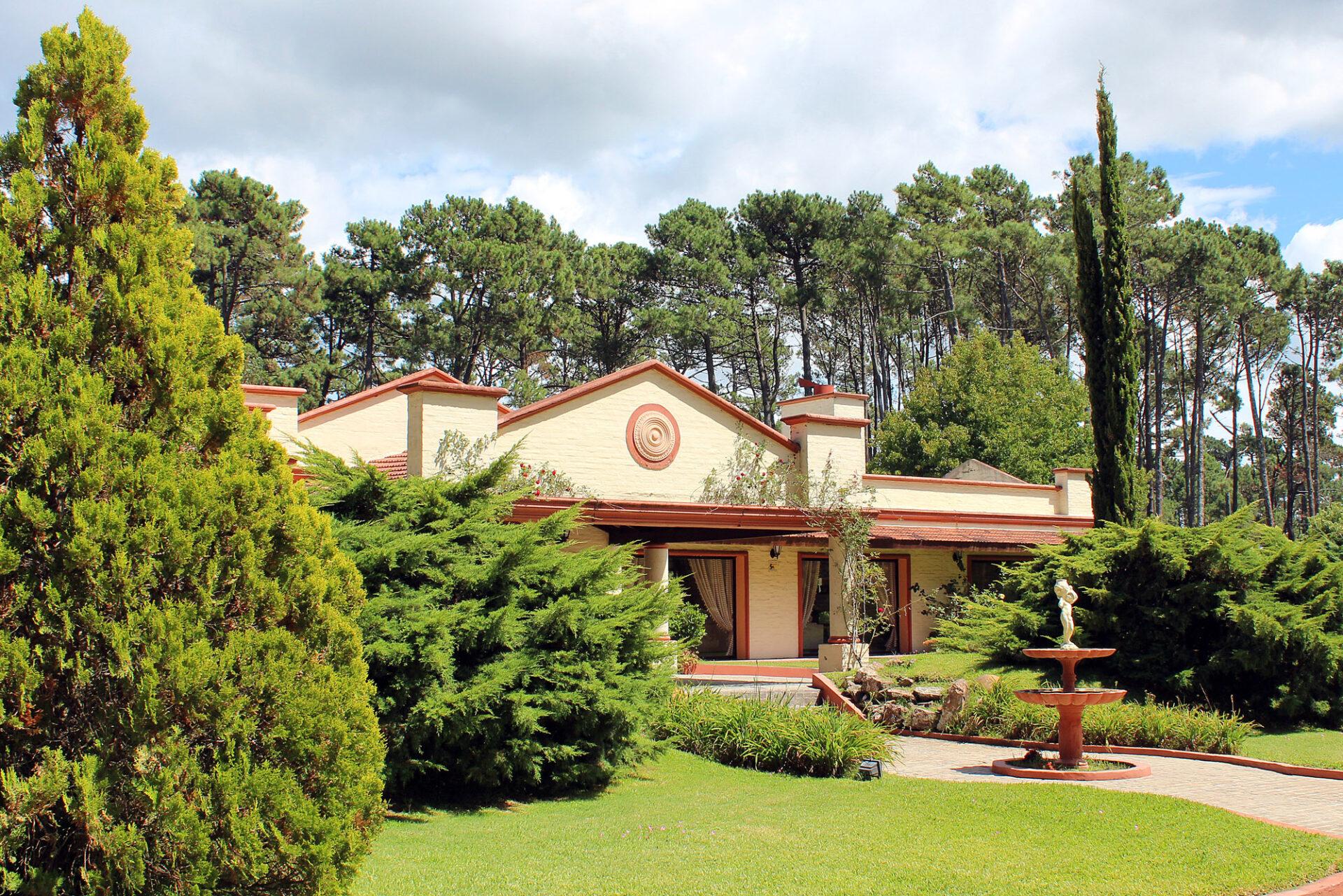 Impresionante residencia en zona de bosque de Punta del Este, Pinares